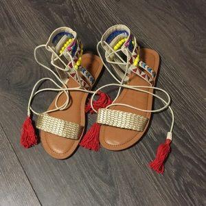 NWOT Indigo Rd. Colorful Pom Pom Lace Up Sandals
